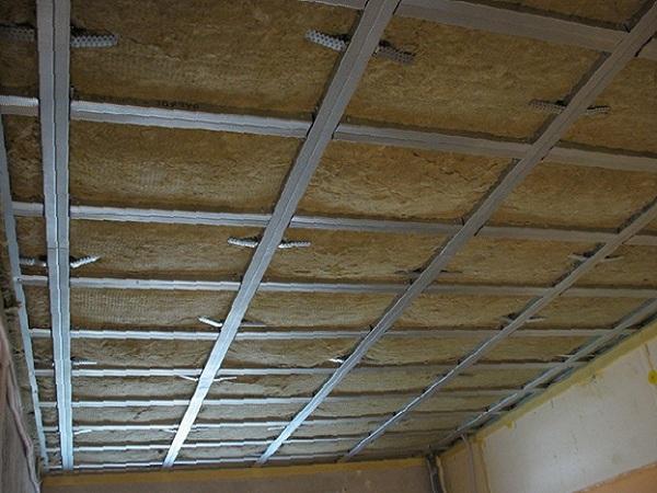 шумоизоляция потолка по каркасу
